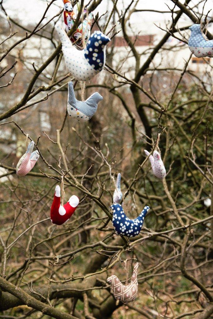 Vögel nähen - Vögel im Magnolienstrauch