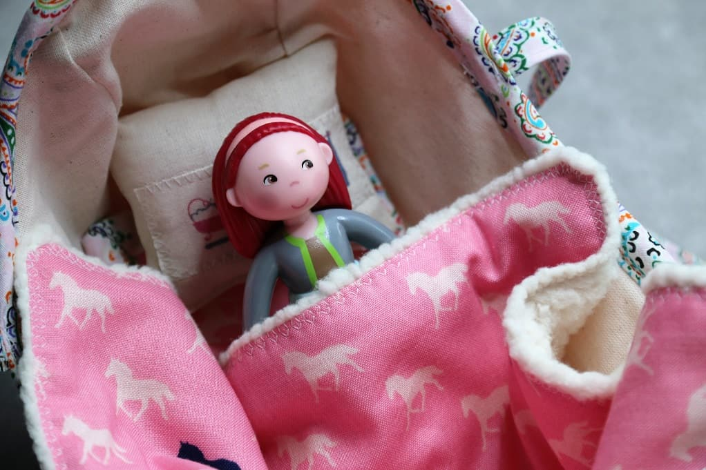 Doll bed - PuppenBett - SewSimple.de