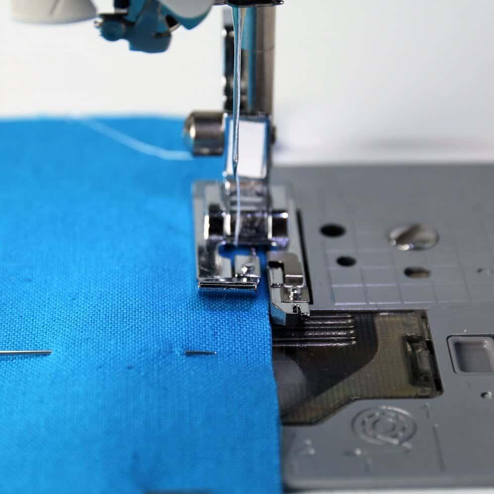 Overlock-Stich mit der Nähmaschine
