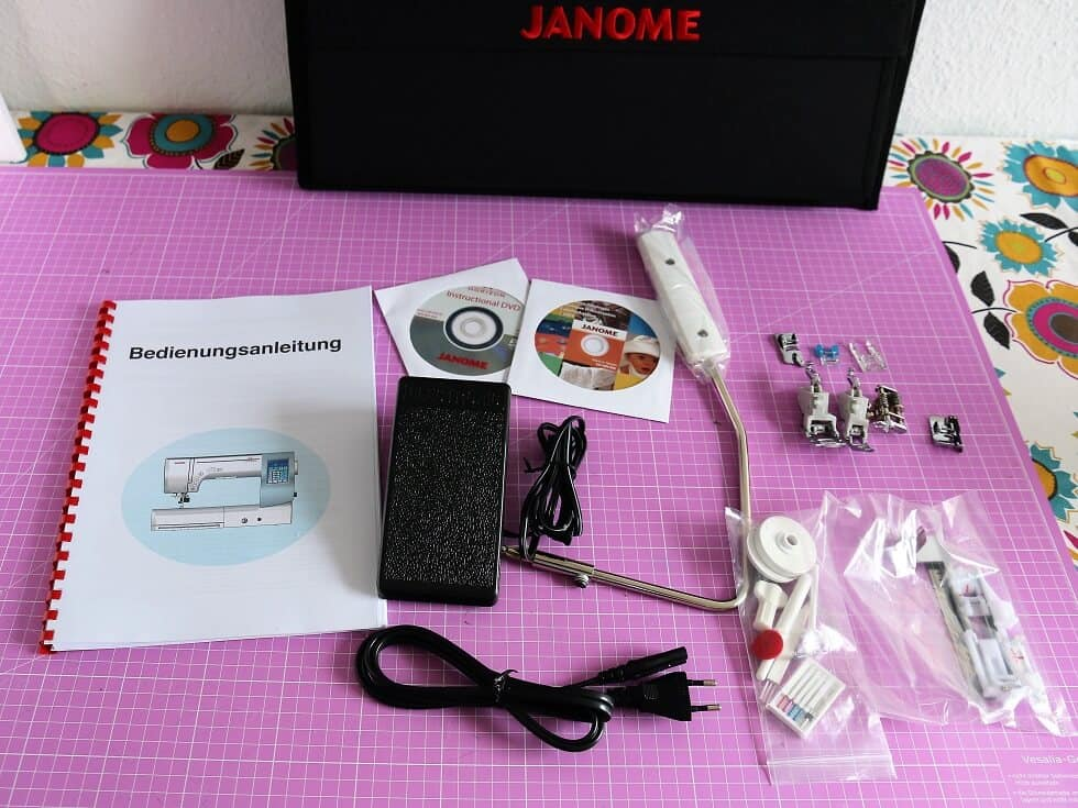 Janome Unboxing