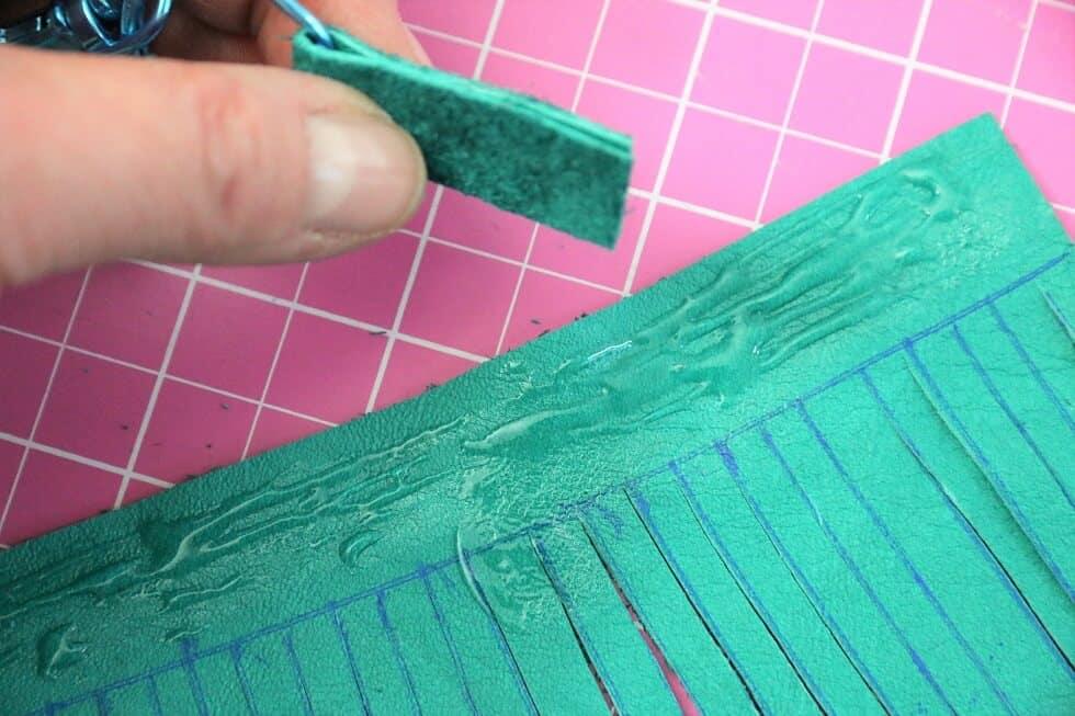 Quaste aus Leder selber machen