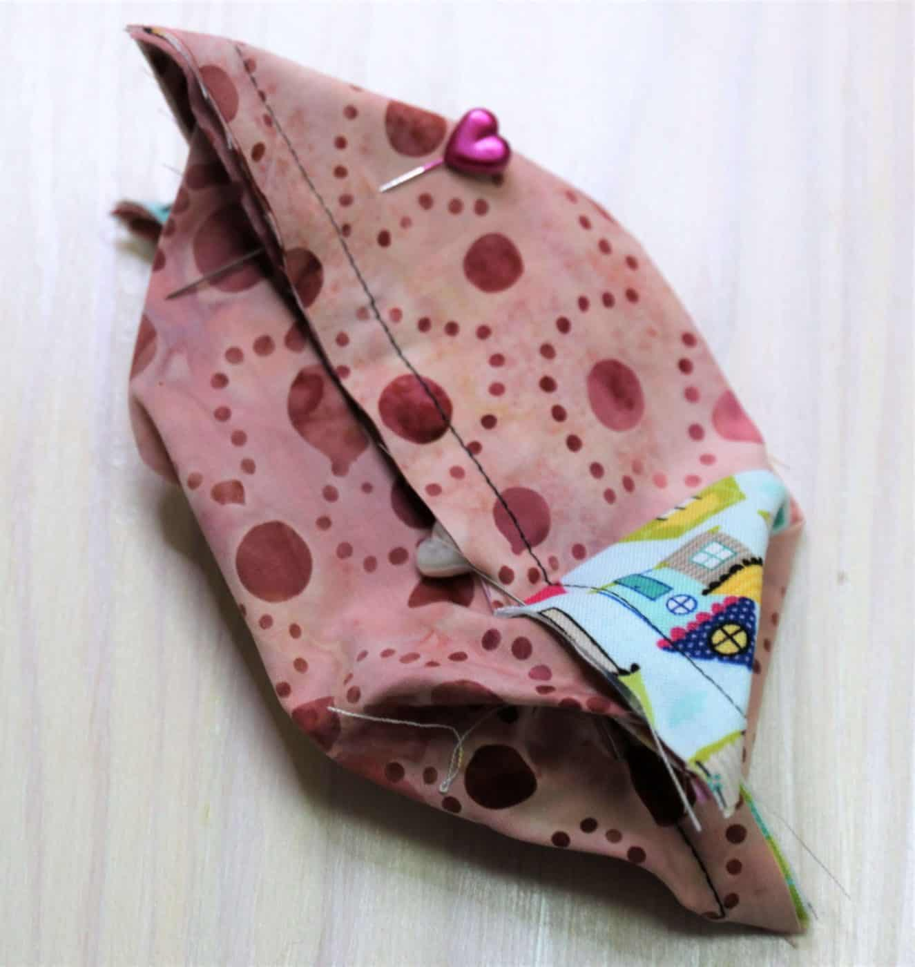 Taschentüchertasche aus Stoffresten nähen
