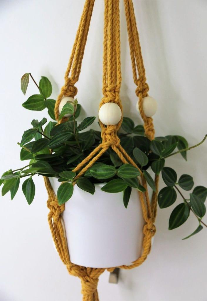 Blumenampel aus Makramee selber machen