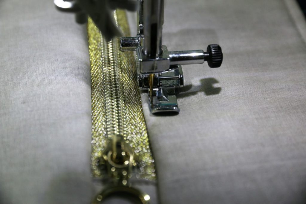 Reißverschlusstasche mit Teilung nähen