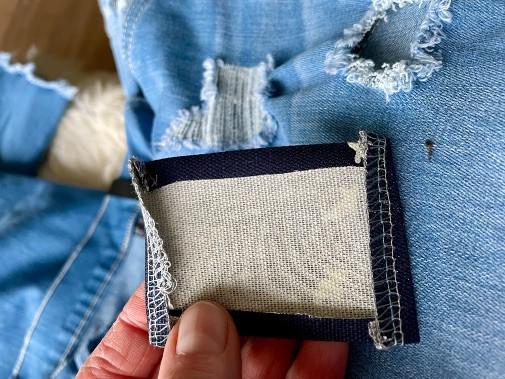 Jeans reparieren mit Flicken