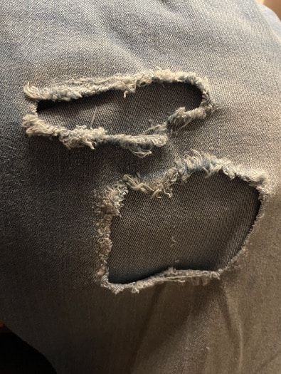 Destroyed Jeans reparieren